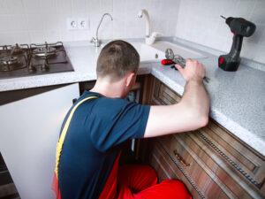 Votre évier ne fonctionne plus ou vous souhaitez tout simplement renouveler les équipements de votre cuisine dont votre évier ?